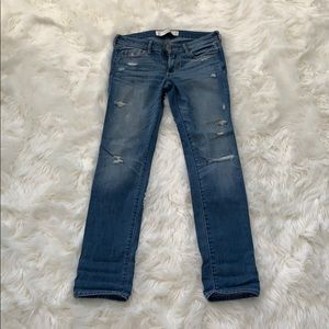ABERCROMBIE & FITCH: Distressed Jeans - Size 0S